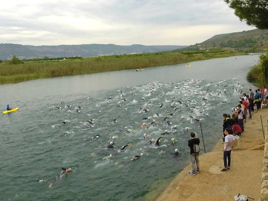 Massis-d'antella-half-ironman-ivan-moreno-natacion-inicio