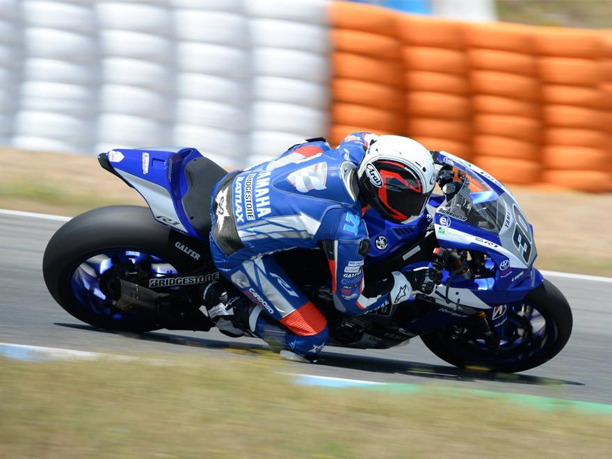 Ivan-Moreno-IM21-Cardoso-School-Circuito-Jerez-Yamaha-postura